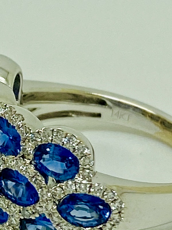 14K white gold 3.00ct Natural Blue Sapphire and 1.00ct Diamond Ring. - image 4