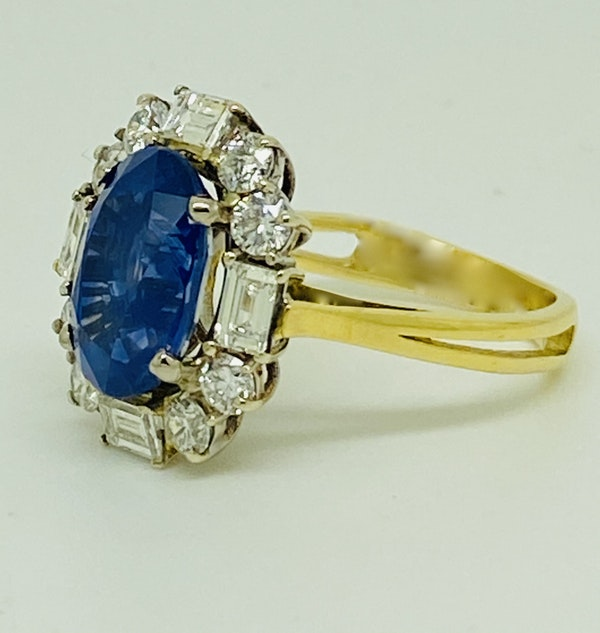 18K yellow gold 4.86ct Natural Blue Sapphire and 1.00ct Diamond Ring - image 2