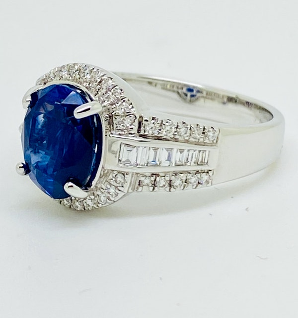 18K white gold 3.05ct Natural Blue Sapphire and 0.49ct Diamond Ring - image 2