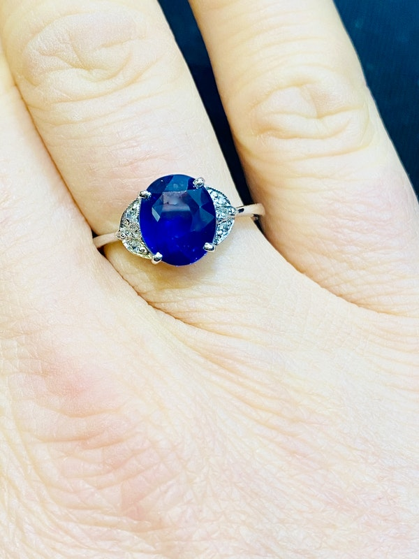 Platinum 2.64ct Natural Blue Sapphire and Diamond Ring - image 4