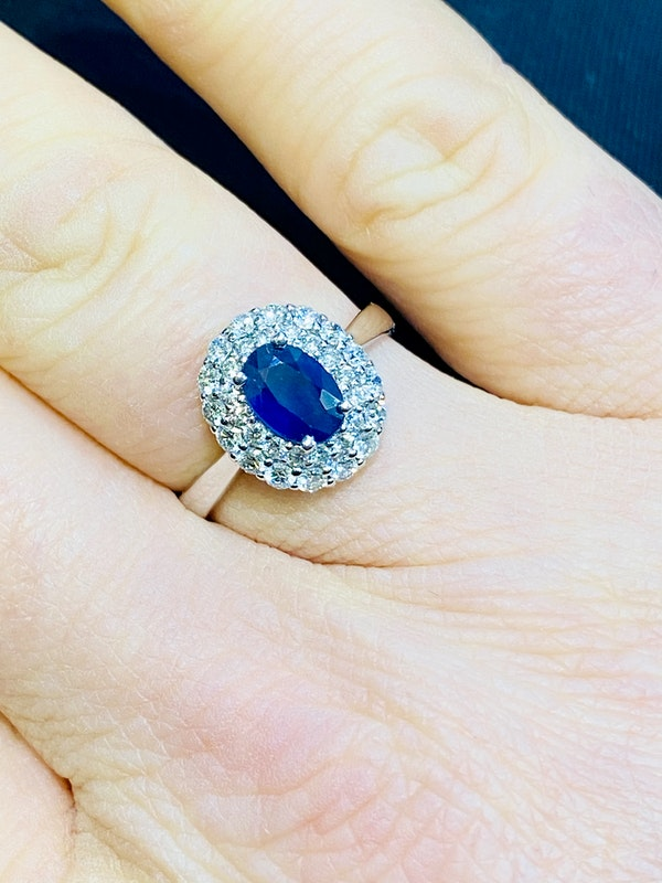 18K white gold 0.72ct Natural Blue Sapphire and 0.59ct Diamond Ring - image 5