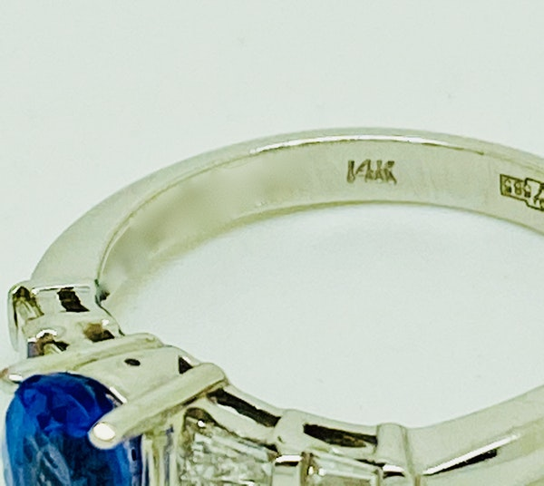 14K white gold Tanzanite and Diamond Ring - image 3