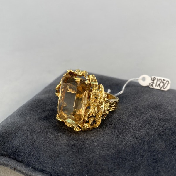 1960's, 18ct Yellow Gold Citrine stone set Ring, SHAPIRO & Co since1979 - image 8