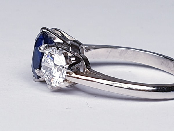 1.52ct natural Burmese sapphire and diamond ring  DBGEMS - image 3