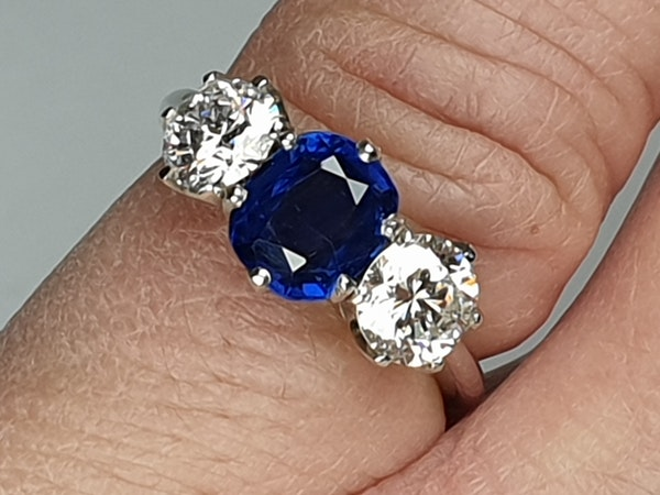 1.52ct natural Burmese sapphire and diamond ring  DBGEMS - image 5