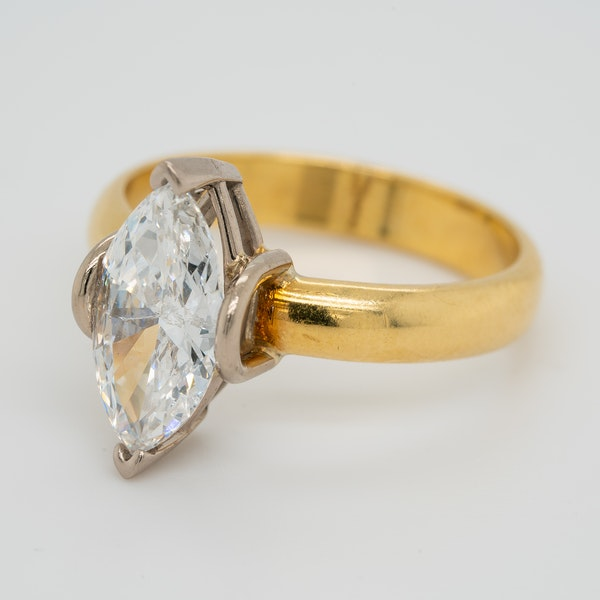 Marquise shaped  diamond solitaire ring - image 4