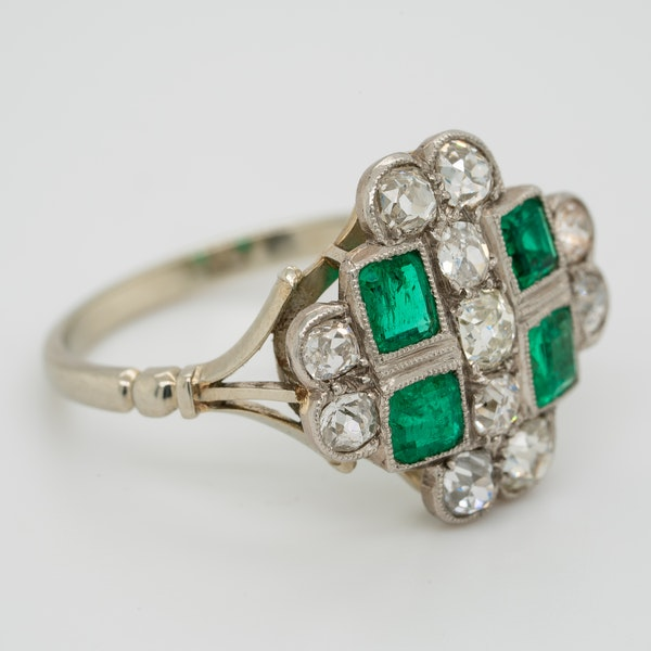 Emerald and diamond tablet shape Art Deco cluster ring - image 2