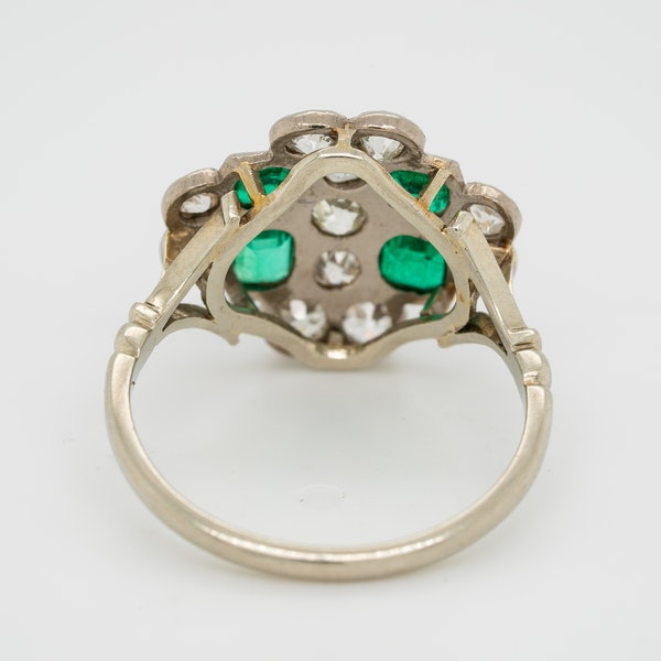 Emerald and diamond tablet shape Art Deco cluster ring - image 4