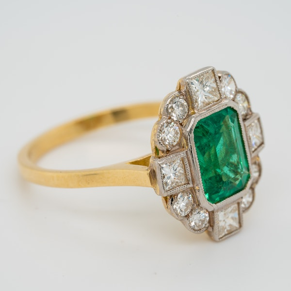 Emerald and diamond oval cluster ring - image 2