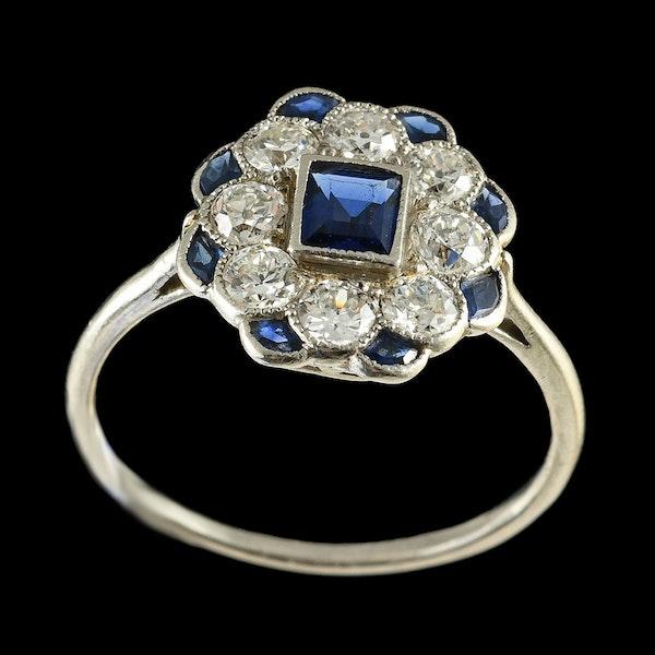 MM6420r Sapphire diamond platinum cluster ring.  1920c - image 2