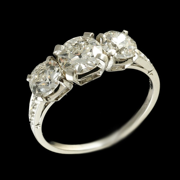 MM6305r platinum set 1940c  three stone diamond ring - image 2