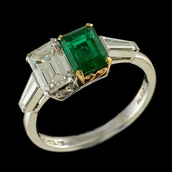 MM6443r Amazing stylish 1930c  emerald diamond cocktail ring - image 2