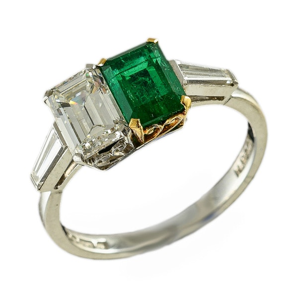 MM6443r Amazing stylish 1930c  emerald diamond cocktail ring - image 1