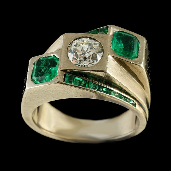 MM6443r Fine quality Emerald diamond Toi moi. Ring fine quality 1960c - image 2