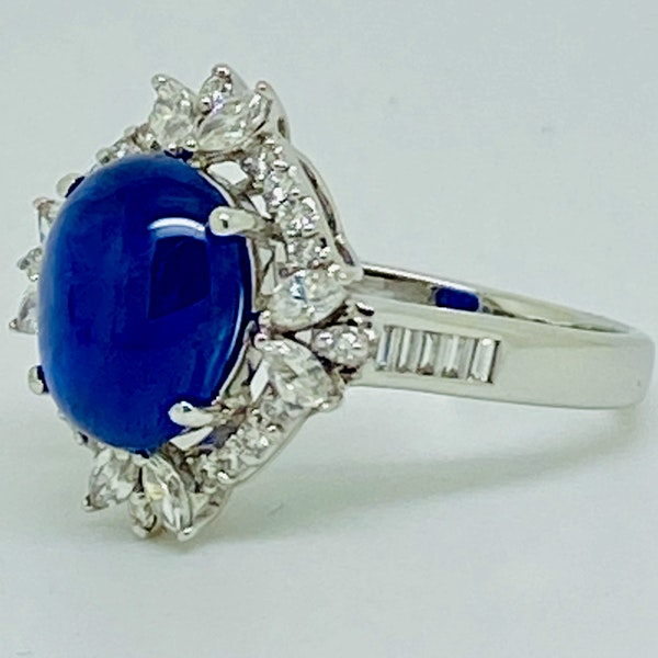 18K white gold 4.62ct Natural Cabochon Blue Sapphire and 0.82ct Diamond Ring - image 3