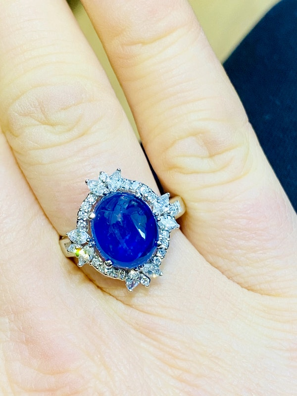 18K white gold 4.62ct Natural Cabochon Blue Sapphire and 0.82ct Diamond Ring - image 6