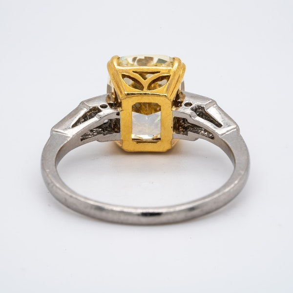 Platinum 4.01ct Natural Fancy Yellow Diamond Ring - image 3