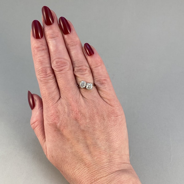 Date: circa 1905, Platinum and Old Mine Cut Diamond Cross Over stone set Ring,,,,,,, SHAPIRO & Co since1979 - image 4