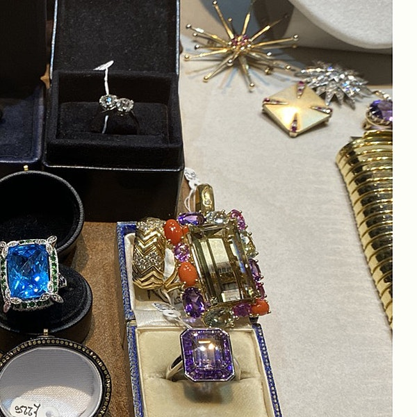 Date: circa 1905, Platinum and Old Mine Cut Diamond Cross Over stone set Ring,,,,,,, SHAPIRO & Co since1979 - image 8