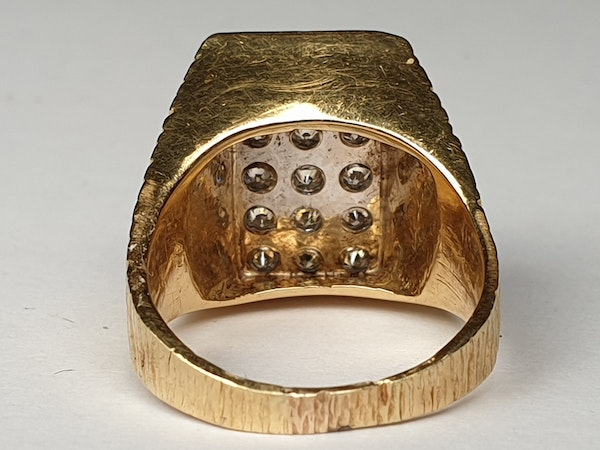 1960's cool 18ct and diamond ring  DBGEMS - image 2