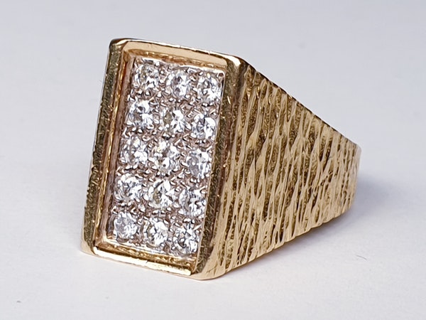 1960's cool 18ct and diamond ring  DBGEMS - image 4