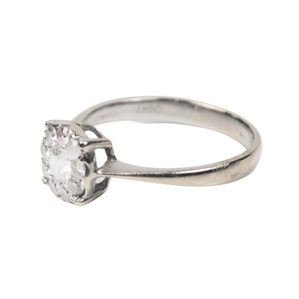 A 1910 Diamond Cluster Ring - image 3