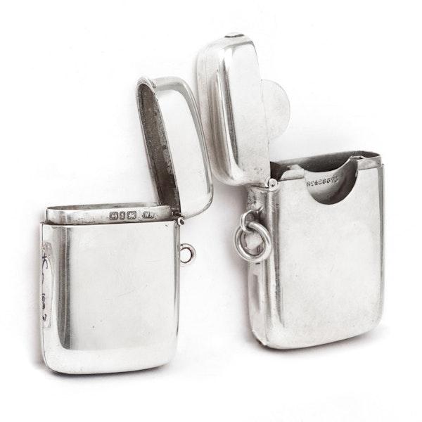 A silver Vesta and stamp box - image 2