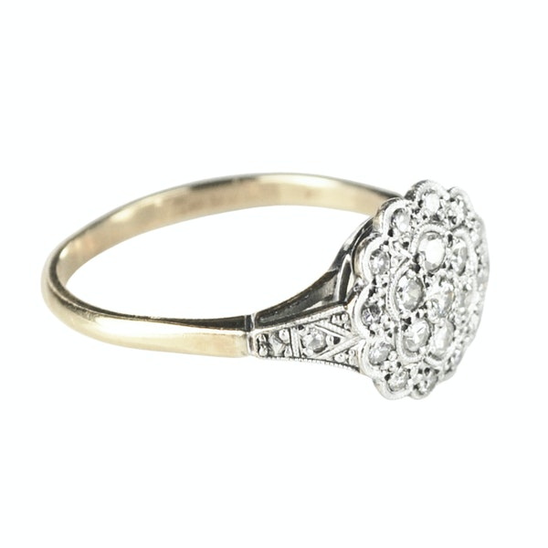 An antique Cluster Diamond Ring - image 3