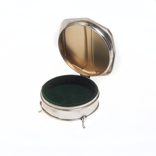 A silver and enamel jewellery box - image 2