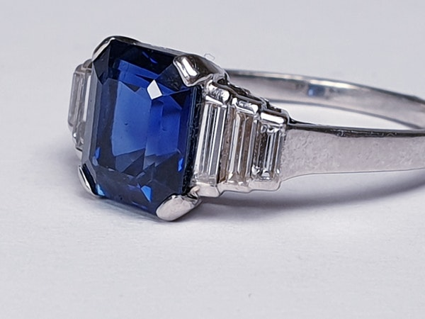Fabulous sapphire and baguette diamond engagement ring  DBGEMS - image 6
