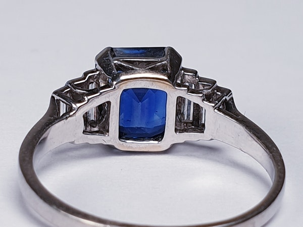 Fabulous sapphire and baguette diamond engagement ring  DBGEMS - image 3