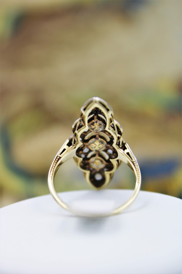 A very fine Natural Pearl & Diamond Plaque Ring set in 18ct Yellow Gold & Platinum, French, Circa 1925 - image 3
