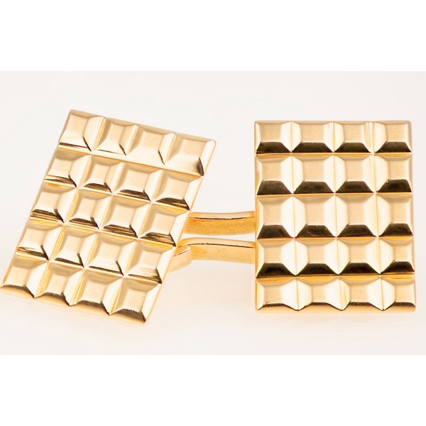Vintage Cufflinks in 18 Karat Gold with Hobnail Design to Face, French circa 1950 - image 3