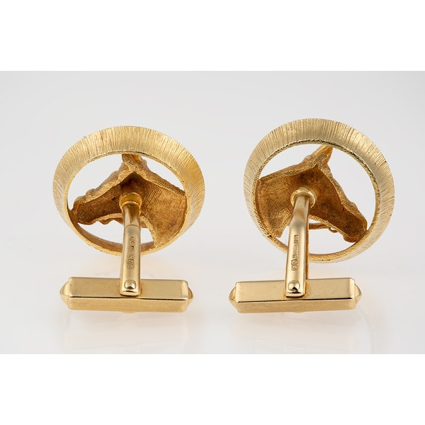 Vintage Piaget Equestrian Cufflinks 18 Carat Gold Horses Head framed by a Winning Post, English circa 1970. - image 3