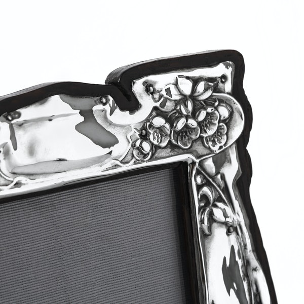 Beautiful Art Nouveau Silver Picture Frame - image 3