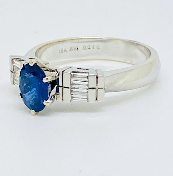 18K white gold 1.50ct Natural Blue Sapphire and 0.15ct Diamond Ring - image 2