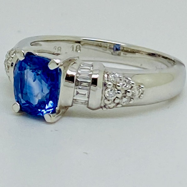 18K white gold 2.86ct Natural Blue Sapphire and 0.32ct Diamond Ring - image 2
