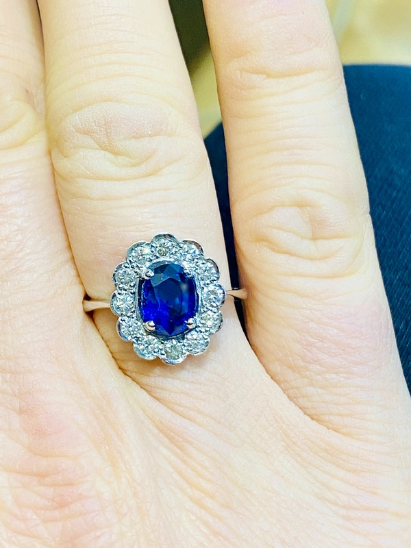 18K white gold 2.00ct Natural Blue Sapphire and 0.50ct Diamond Ring - image 4