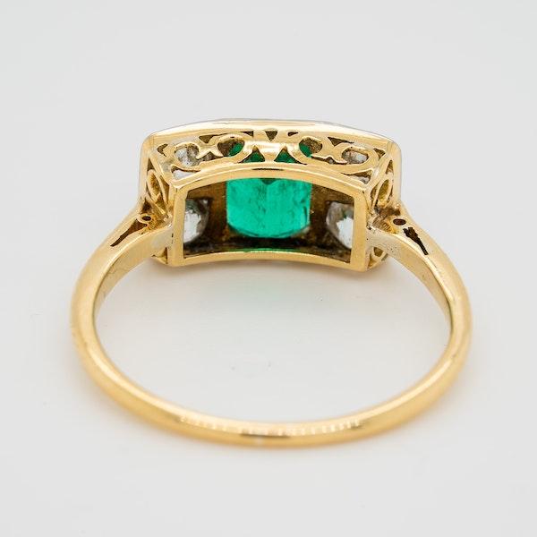 Emerald and diamond tablet shape Art Deco ring - image 4