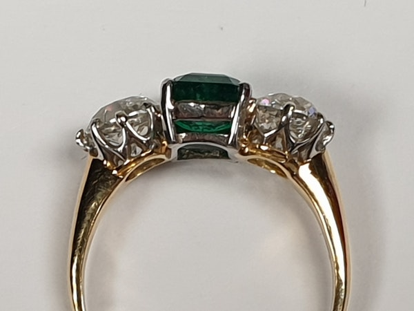 Columbian emerald and diamond engagement ring  DBGEMS - image 5