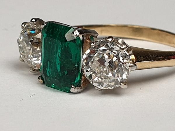 Columbian emerald and diamond engagement ring  DBGEMS - image 3