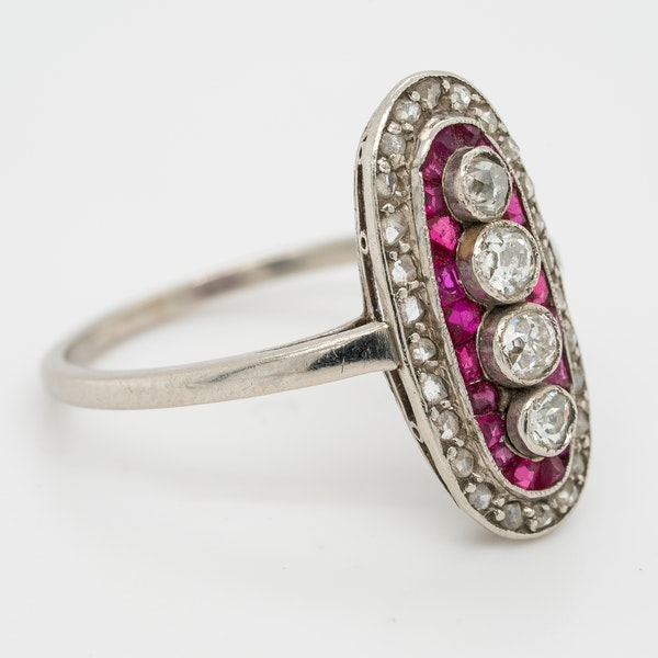 Ruby and diamond Art Deco oval shape platinum ring - image 2