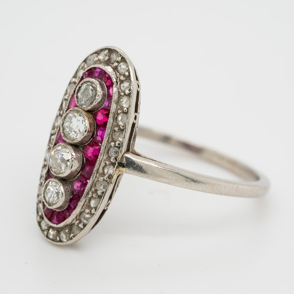 Ruby and diamond Art Deco oval shape platinum ring - image 3