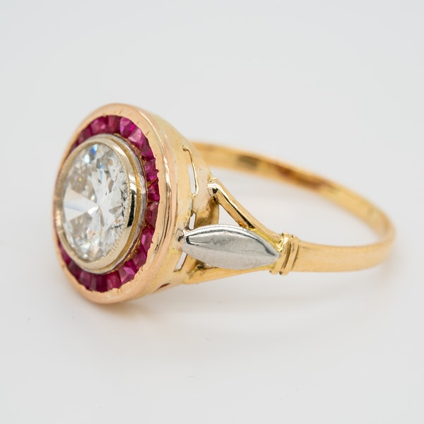 Diamond and ruby  calibre - cut ring with 1.55 ct est. diamond centre - image 3