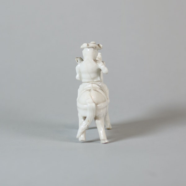 Chinese miniature blanc de chine figure - image 4