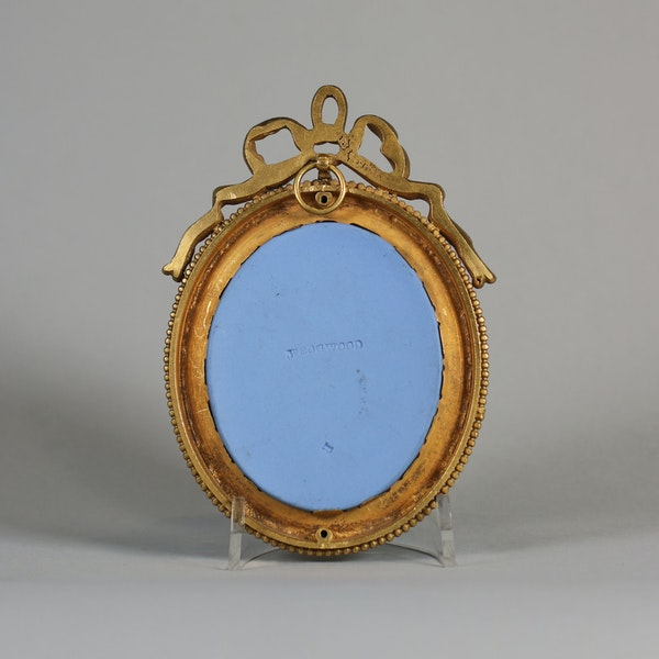 Wedgwood blue jasper oval plaque sprigged in white - image 2