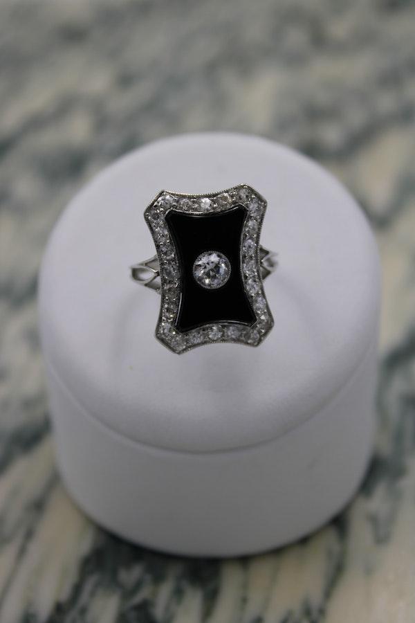 A very fine Art Deco Black Onyx & Diamond Plaque Ring set in Platinum, Circa 1930 - image 2