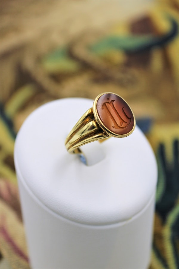 18 carat Yellow Gold Intaglio ring with Original French hall marks, circa 1890 - image 1