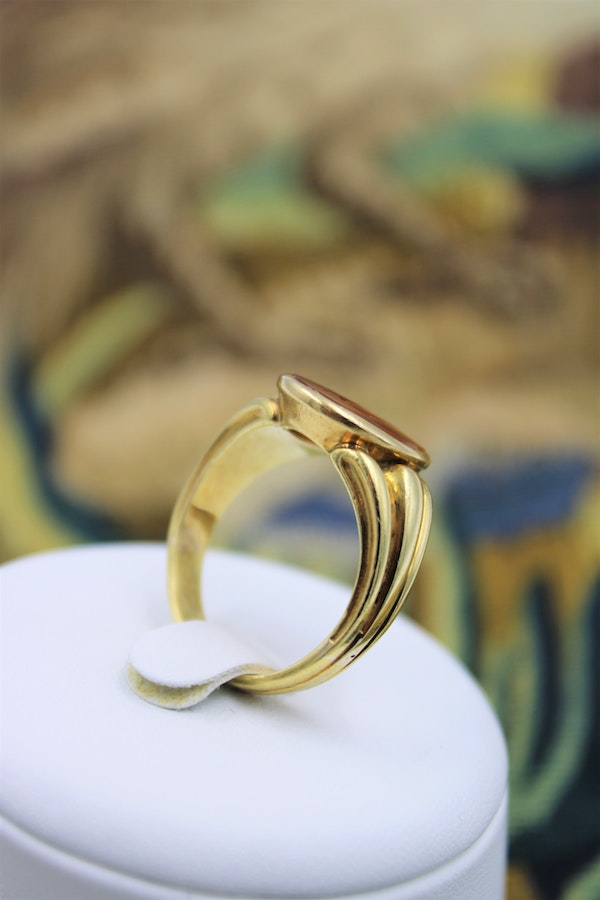 18 carat Yellow Gold Intaglio ring with Original French hall marks, circa 1890 - image 2