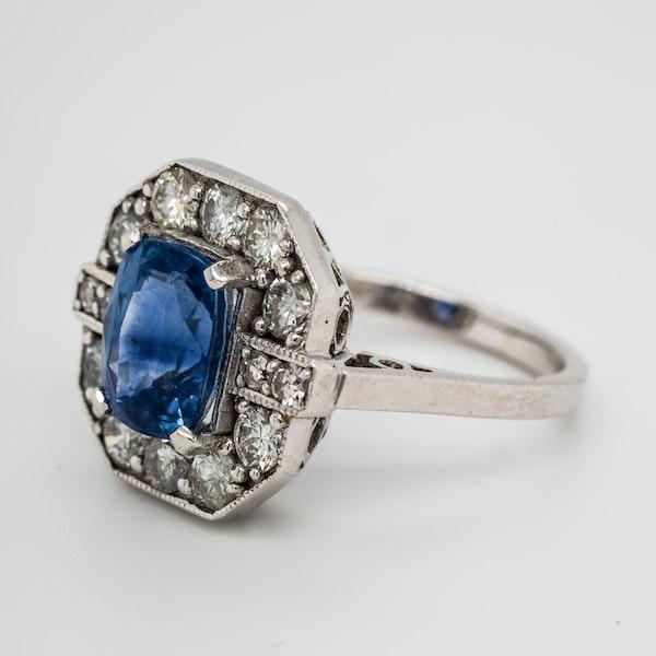 Sapphire and diamond ring, rectangular shape with cut corners - image 3